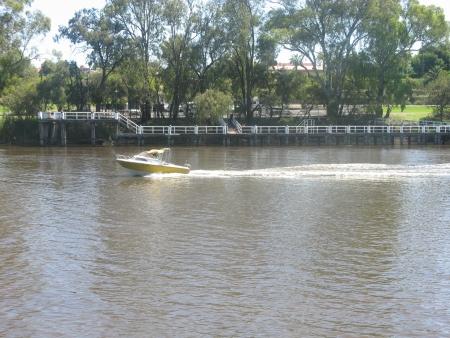 pleasent: Speedboat on Muarry River near Mildura, Victoria,Australia