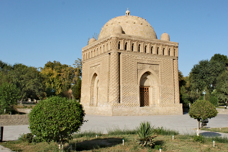 One of the most highly esteemed works of Central Asian architecture, and was built between 892 and 943 CE as the resting-place of Ismail Samani - a powerful and influential amir of the Samanid dynasty, one of the last native Persian dynasties that ruled in Central Asia in the 9th and 10th centuries Standard-Bild - 117105162