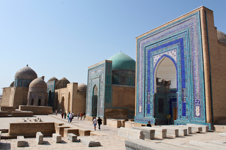 Samarkand / Uzbekistan; September 23rd, 2014 -Shah-i-Zinda includes mausoleums and other ritual buildings of 9-14th and 19th centuries Standard-Bild - 123681529