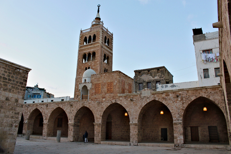 Lebanon, Tripoli; February 13th 2011 - The Mansouri Great Mosque is a mosque in Tripoli, also known as The Great Mosque of Tripoli. It was built in the Mamluk period, from 1294 to 1314, around the remains of a Crusader Church of St. Mary Standard-Bild - 123681533