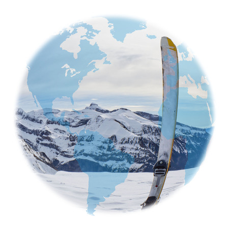 Amerika Globus über einen Ski in der hohen Berg Standard-Bild - 92184834