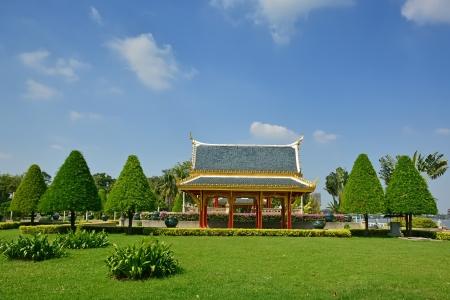 public park: El pabell�n en el parque p�blico en la provincia Nontaburi, Tailandia