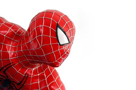 AYUTTAYA - 10 月。14: トゥン ブア チョム 2014 年 10 月 4 日 Ayuttaya、タイの水上マーケットでスパイダーマン モデル。