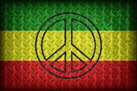 reggae: motif de drapeau de Rasta avec une paix sur le diamant plaque de m�tal texture, style vintage Banque d'images