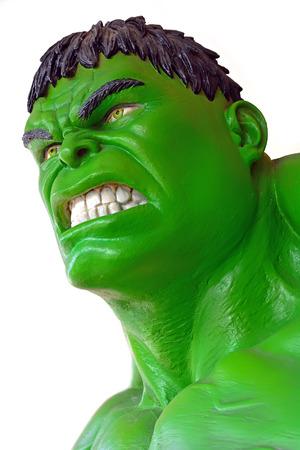 avenger: Ayuttaya, TAILANDIA, 04 de marzo 2015: El modelo de Hulk en el mercado flotante Thung Bua Chom
