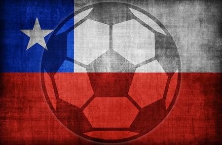 bandera de chile: s�mbolo de f�tbol en el patr�n de bandera de Chile, �poca de estilo retro Foto de archivo