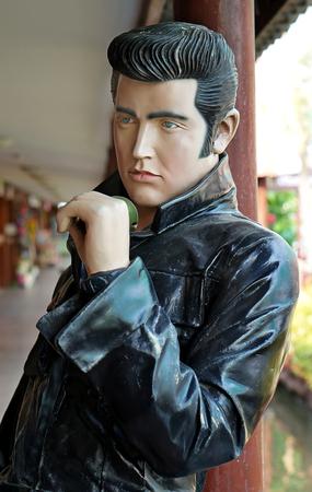 elvis presley: AYUTTAYA ,THAILAND- FEBUARY 27, 2016: The Elvis Presley model at Thung Bua Chom floating market