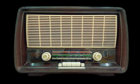 vieille radio sur fond noir