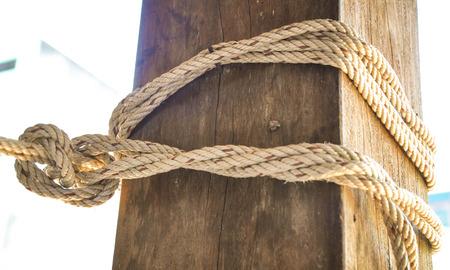 gefesselt: Seil gebunden um Beitr�ge