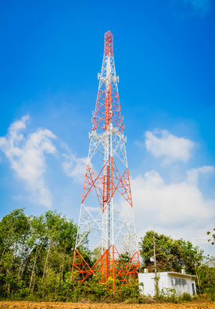 high frequency: Telecommunication tower and antenna