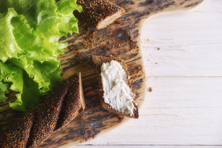 Breakfast: sandwich with cheese and lettuce. Top view Standard-Bild