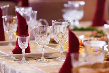 Lugar de recepción de bodas listo para los huéspedes