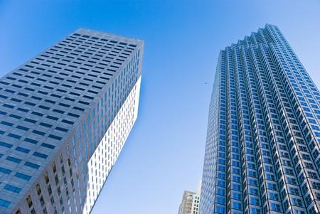 distortion: Office building - skyscraper