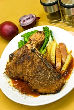 tbone: T-Bone Steak with Red Potatoes