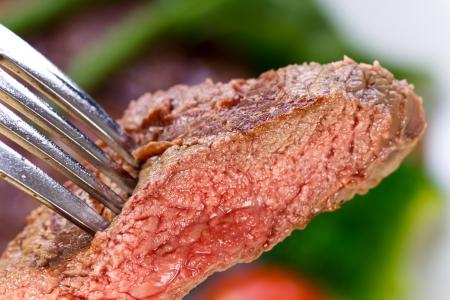 New York Strip Steak met groenten Stockfoto
