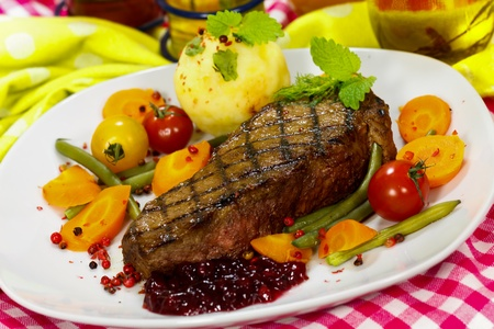 mountain cranberry: Gourmet Steak with Cherry Tomato,Carrots,Green Beans