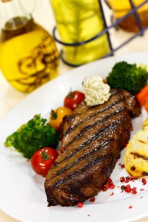 mountain cranberry: Gourmet Steak with Broccoli,Cherry Tomato