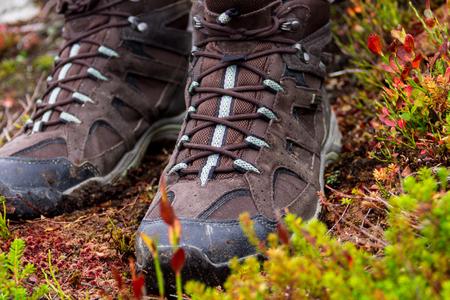 botas: botas de monta�a sucios despu�s de subir a la monta�a