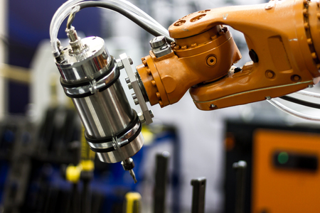Automatic robot hand for 