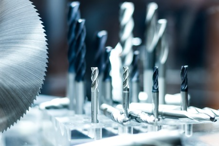 herramientas de fresado de metal y cortador de perforación para la industria tirón Foto de archivo