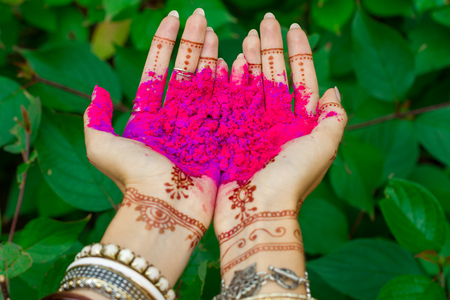 Beautiful Woman Hold In Hands With Henna Tattoo And Bracelets ...