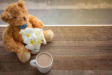 osos de peluche: Caf�, osos de peluche, floreros plumeria.