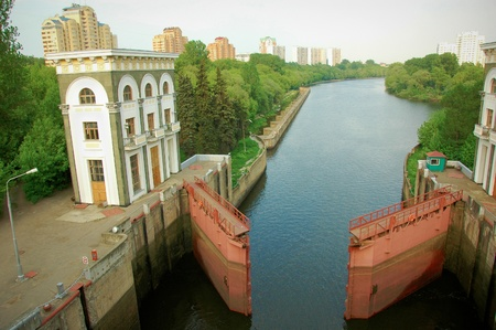 sluice: watergate in a sluice on Moscow canal