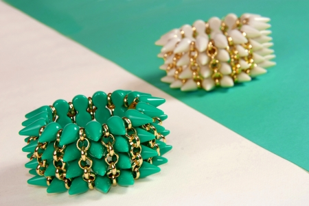 braclets: custom jewelry fashion green and white braclets