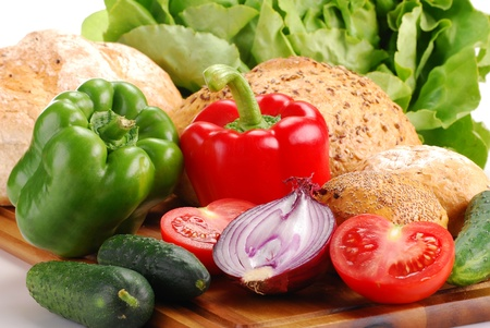 Composition with raw vegetables and bread