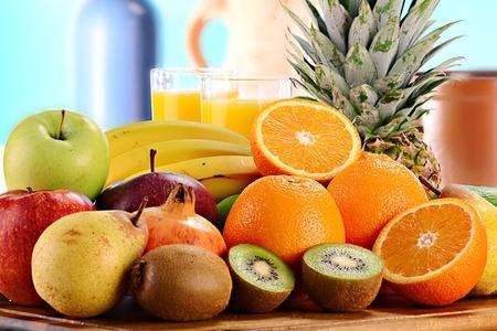 jugo verde: Composición con frutas Foto de archivo