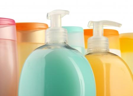 champu: Botellas de pl�stico de productos de cuidado y belleza del cuerpo  Foto de archivo