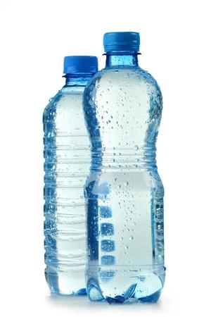 Polycarbonat-Kunststoff-Flasche Mineralwasser isolated on white background  Standard-Bild - 9110199