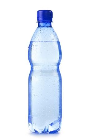 botella de plastico: Botella de pl�stico de policarbonato de agua mineral aislada sobre fondo blanco
