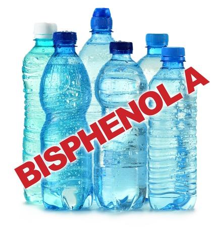powszechnie: anti bisfenolu A (BPA) znak z powszechnie stosowanych poliwęglanowych plastikowych butelek wody mineralnej