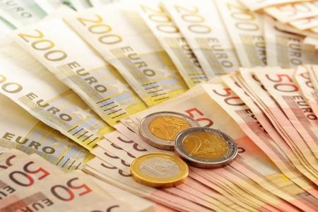 european union currency: Composici?n con los billetes en euros moneda de la Uni?n Europea Foto de archivo