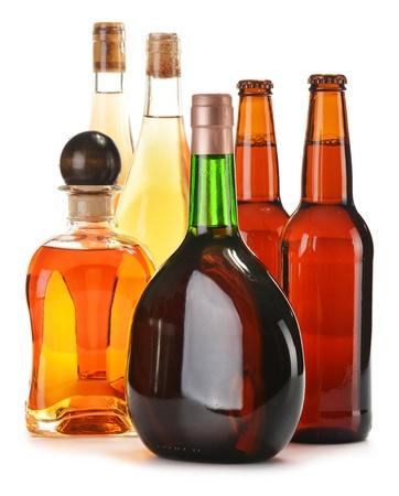 excise: Bevande alcoliche assortiti isolato su bianco