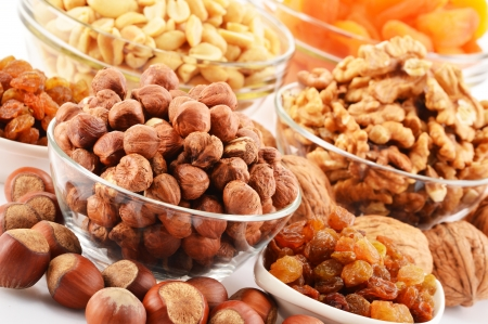 apricot kernel: Composition with nuts and apricots