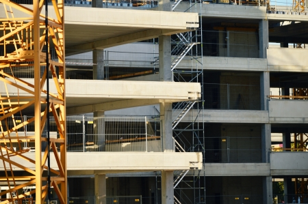 commercial construction: Construction of modern urban commercial architecture