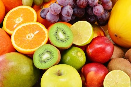 comida sana: Composición con variedad de frutas