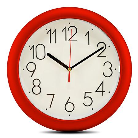 reloj pared: Reloj de pared aislados en blanco Foto de archivo