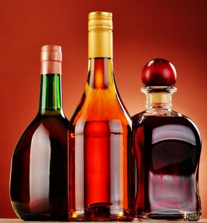 bebidas alcoh�licas: Botellas de bebidas alcoh�licas surtidos