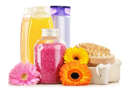 jabon liquido: Composición con botellas de plástico de cuidado corporal y productos de belleza