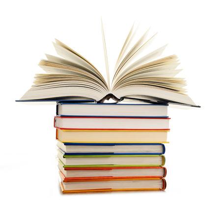 Stapel boeken geïsoleerd op een witte achtergrond. Stockfoto - 40377017