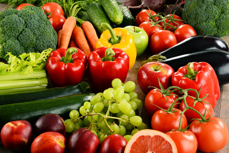 fresh vegetable: Composition with a variety of organic vegetables and fruits.