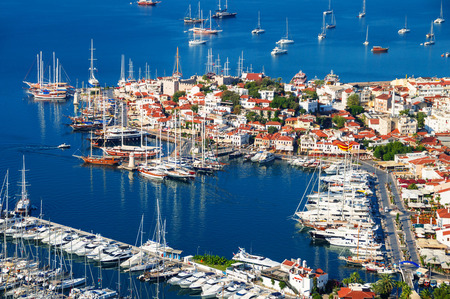 View of Marmaris harbor on Turkish Riviera. 免版税图像