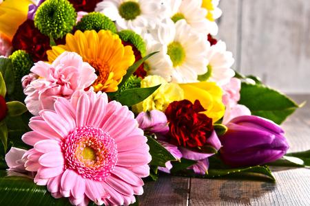 ramo de flores: Composición con el ramo de flores.