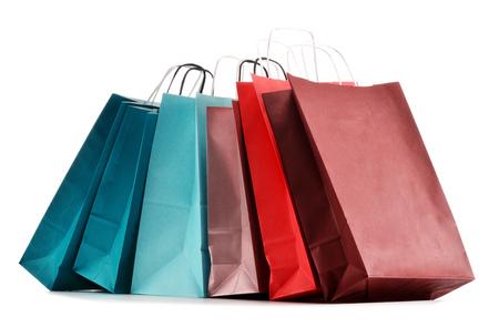 白い背景で隔離紙のショッピング バッグ