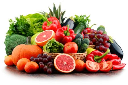 Kompozycja z różnych świeżych warzyw i owoców. Detox diet.