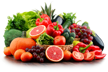 Composition with variety of fresh vegetables and fruits. Detox diet. Stockfoto