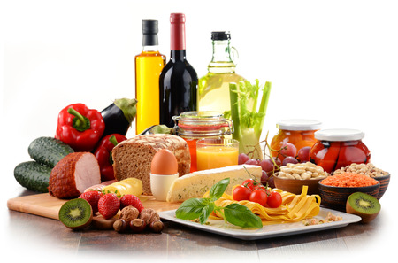 白で隔離有機食品の様々 な構成